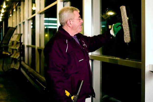 Entretien vitrerie garages automobiles- Granjouan propreté