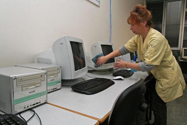 nettoyage salle informatique - Granjouan-proprete